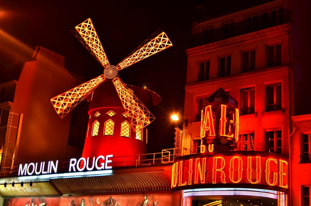 Poveste Moulin Rouge