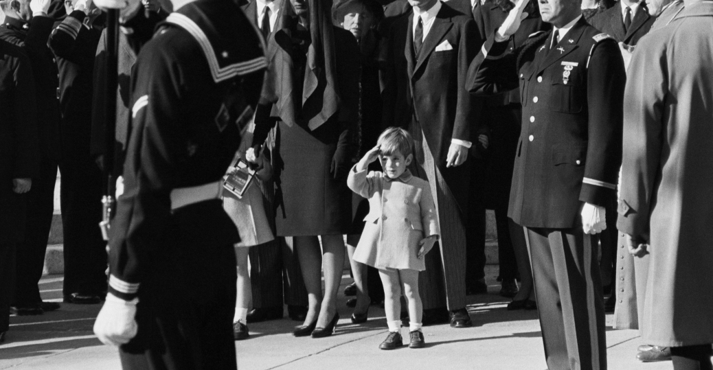 John F. Kennedy Jr. salut