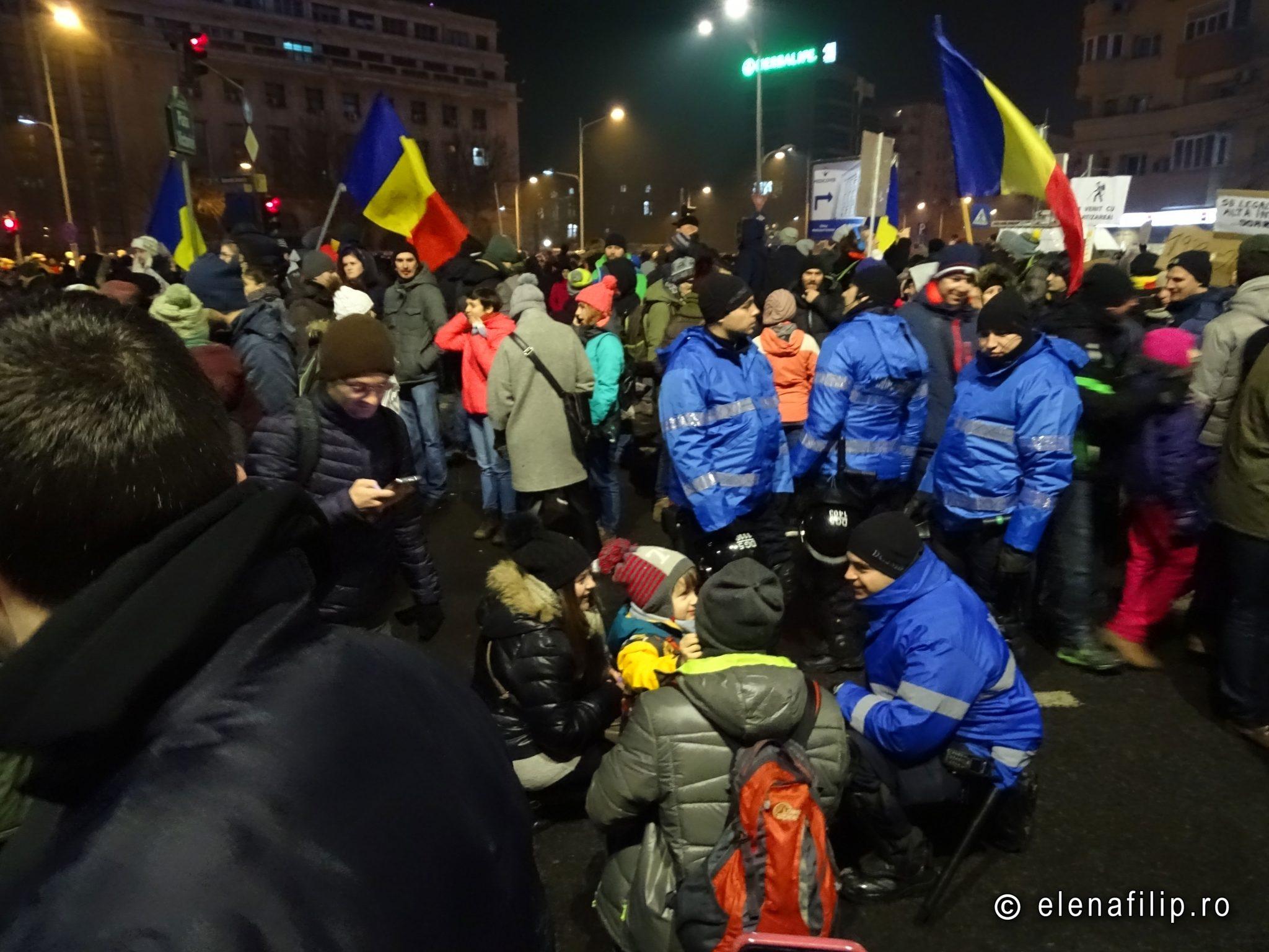 proteste copii jandarmi bucuresti
